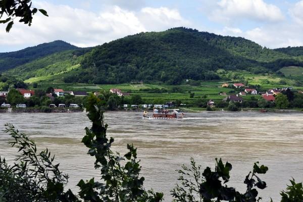 Valle austriaco de Wachau, formado por el río Danubio