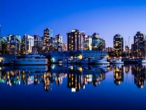 Postal: Vancouver de noche (Canadá)