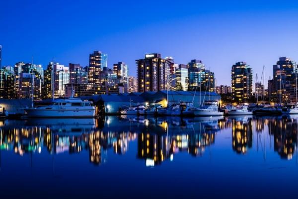 Vancouver de noche (Canadá)