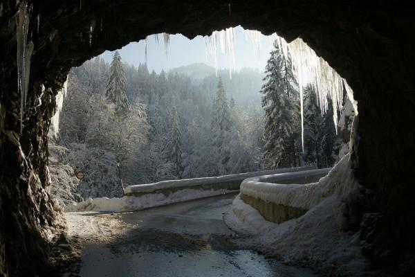 La carretera de Dornbirn al pueblo de Ebnit (Austria)