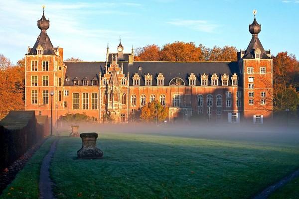 Castillo de Arenberg, parte de la Universidad Católica de Lovaina, Bélgica