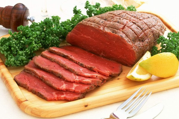 Pieza de carne poco hecha