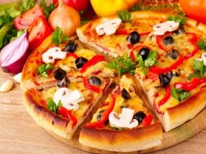 Postal: Pizza con champiñones laminados