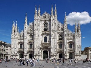 Postal: Fachada de la Catedral de Milán, Italia