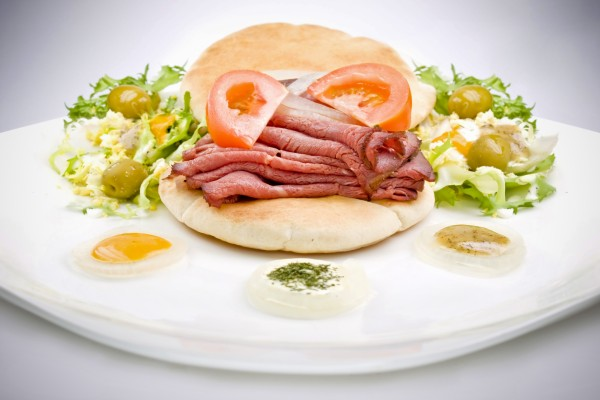Ingredientes para montar un sandwich de roastbeef