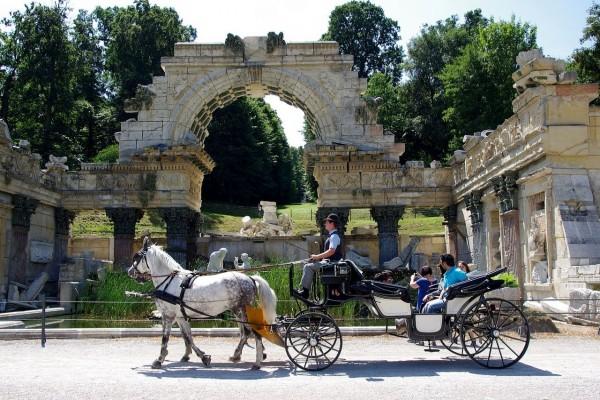 Ruinas romanas en el parque de Schönbrunn, Viena