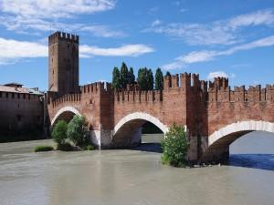 Postal: Ponte Scaligero en Verona, Italia