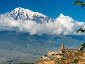 Monasterio Khor Virap, con el Monte Ararat de fondo (Armenia)