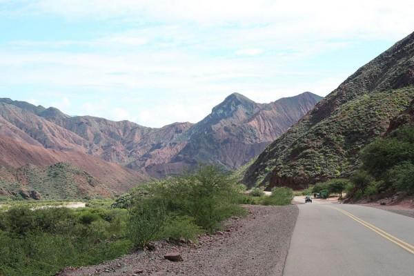 Ruta Nacional 68 en la Quebrada de las Conchas (Argentina)