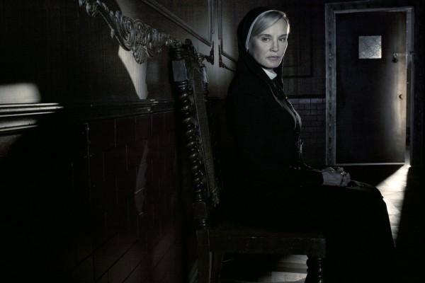 "Jessica Lange como la hermana Jude en ""American Horror Story: Asylum"""