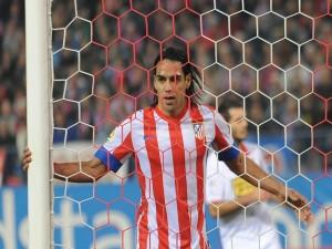 Postal: Falcao, con la camiseta del Atlético de Madrid