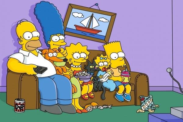 La familia Simpson en el sofá del salón