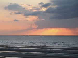 La luz del atardecer en el Mar del Norte (Oostduinkerke, Bélgica)