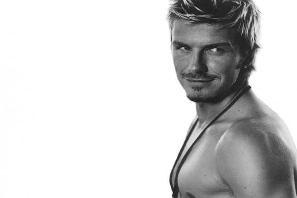 David Beckham sin camiseta