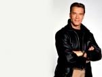 Un elegante Arnold Schwarzenegger