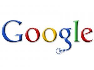 Logo de Google con una bombilla