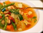 Sopa minestrone (plato típico italiano)