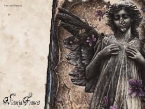 Postal: Ángel de piedra de Victoria Francés