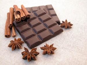 Tableta de chocolate, canela y anís estrellado