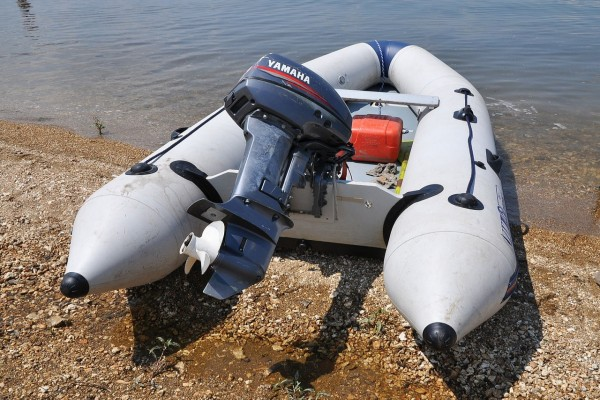 Bote inflable con motor Yamaha