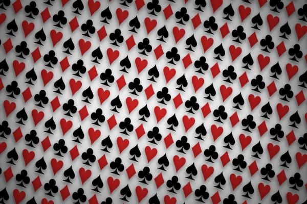 Palos de la baraja francesa: corazones, diamantes, tréboles y picas