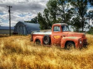 Postal: Una vieja camioneta