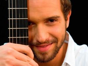 Pablo Alborán con su guitarra