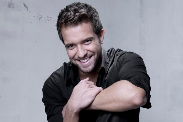 Un sonriente Pablo Alborán