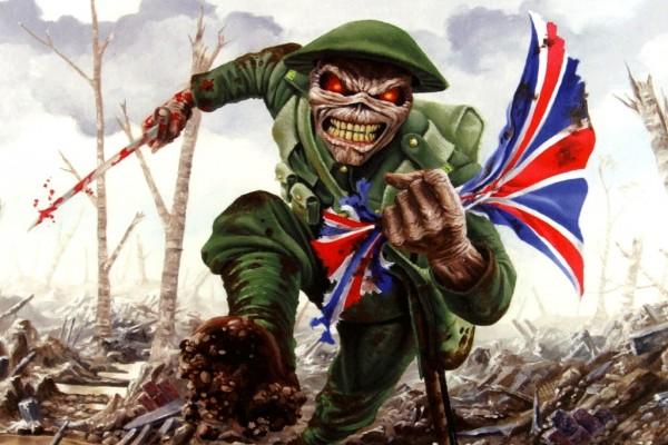 Eddie, la mascota del grupo Iron Maiden, en el campo de batalla