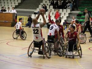 Postal: Baloncesto en silla de ruedas. Partido de la Euroliga entre el Toulouse y el Roma.