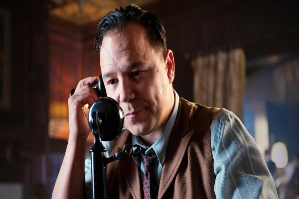 Al Capone interpretado por Stephen Graham