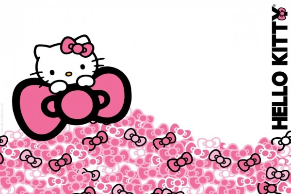 Hello Kitty con muchos lacitos
