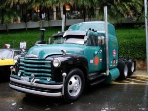 Postal: Camión Chevy clásico