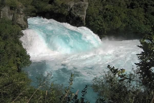 Huka Falls en el río Waikato, cerca de Taupo, Nueva Zelanda