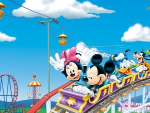 Mickey y sus amigos en la montaña rusa