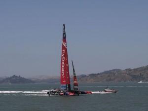 Competición de vela en la bahía de San Francisco