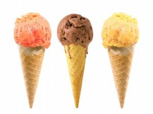 Tres cucuruchos de helado