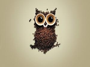 Postal: Un buho de café