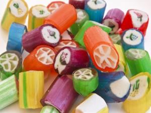 Caramelos con dibujos y colores