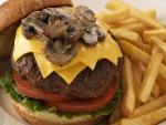 Hamburguesa con queso y champiñones