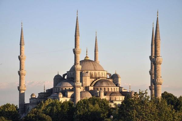 Vista de la Mezquita Azul en Estambul, Turquía
