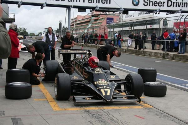 Lotus 87B en el circuito de Nurburgring, Alemania