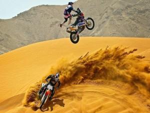 Postal: Motocross en el desierto