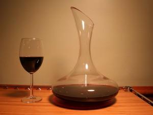 Postal: Decantador para airear el vino