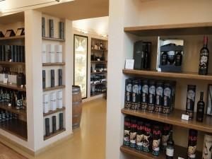 Postal: Tienda de vinos