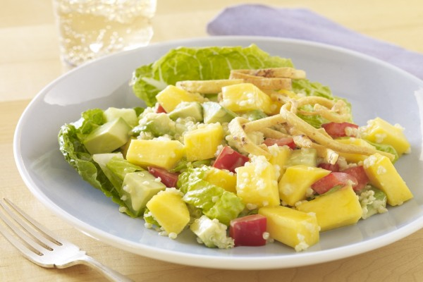 Ensalada con frutas y quinoa