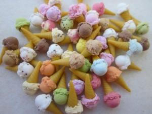 Cucuruchos de helado de diferentes sabores