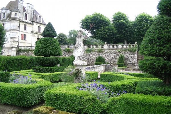Jardín italiano del Château d'Ambleville (Francia)