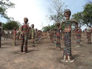 Postal: Estatuas en el Rock Garden, de Chandigarh