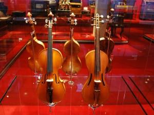 Violines en el Museo de la Música de Barcelona